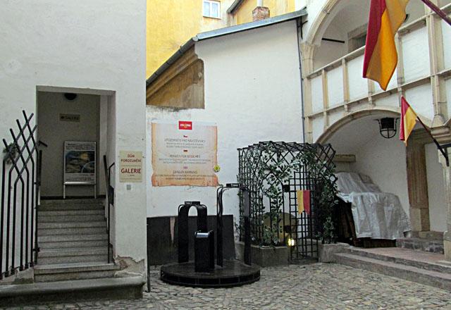 Zpřístupněné jeskyně a podzemí v Česku a ve světě   Show Caves of ... 9fd577f6fef